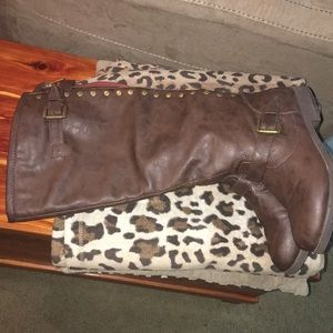 Shoes - Fall boots